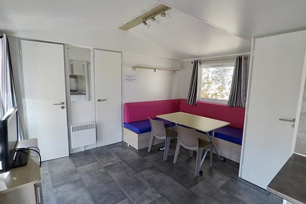 Camping-le-Val-Fleuri-Mobil-home-Salon-Seychelles