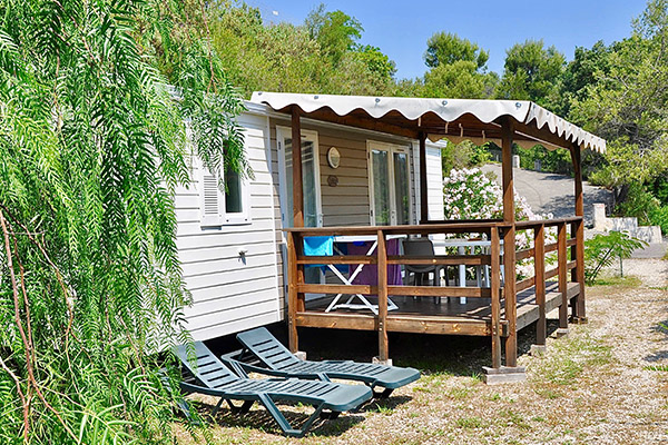 Camping le Val Fleuri-Mobil-home terrasse 2-Seychelles