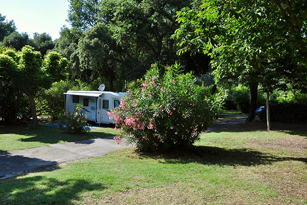 Camping le Val Fleuri-Emplacement Camping-Camping car