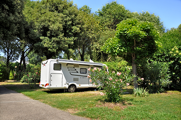 Camping Val Fleuri-Emplacement camping-car_1